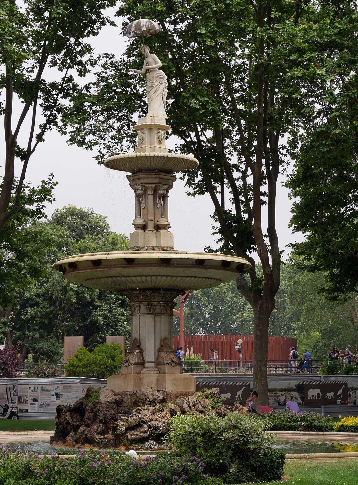 zoo barcelone fontaine - juliesliberties
