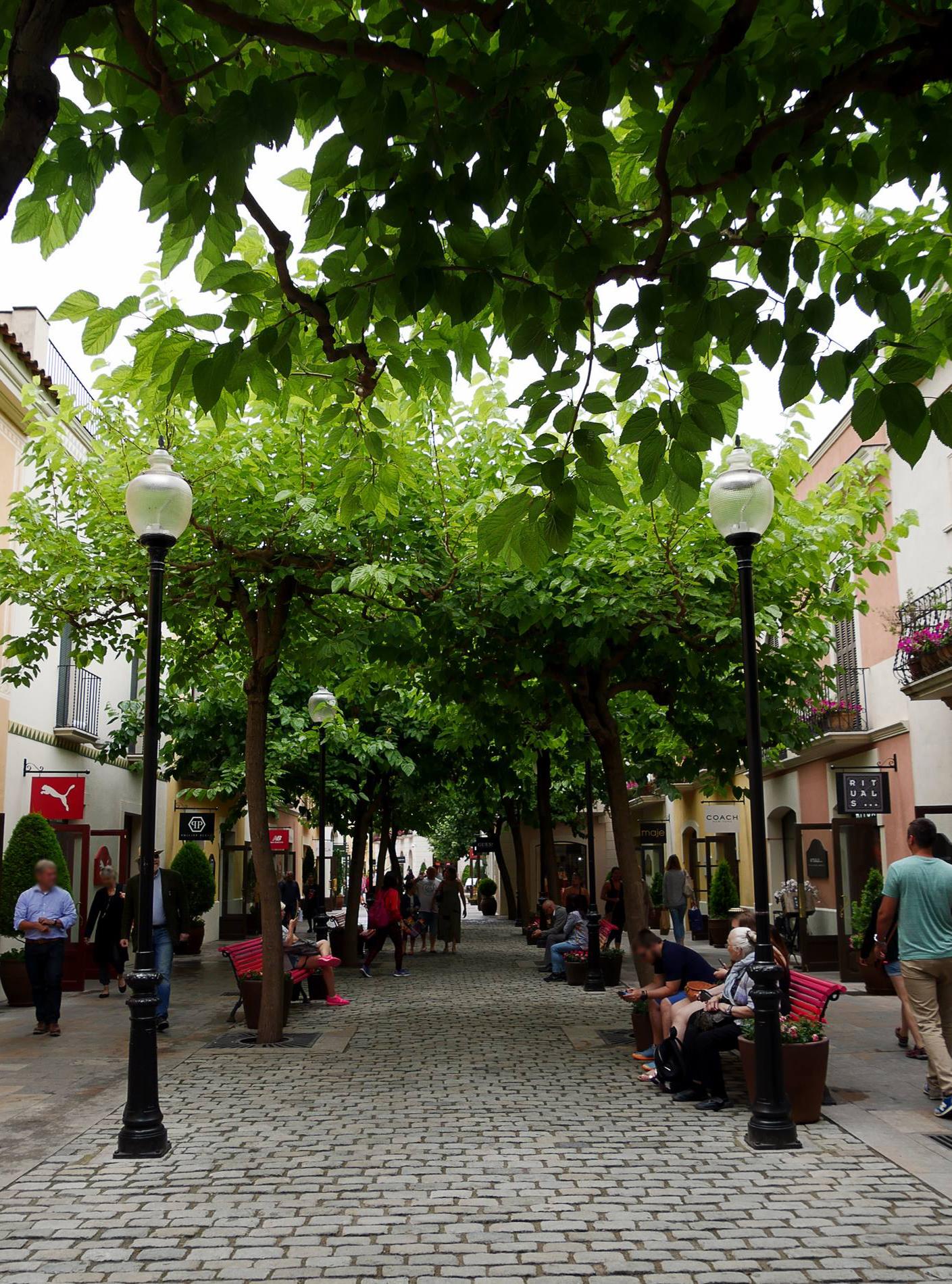 La roca village barcelone extérieur 1 - juliesliberties