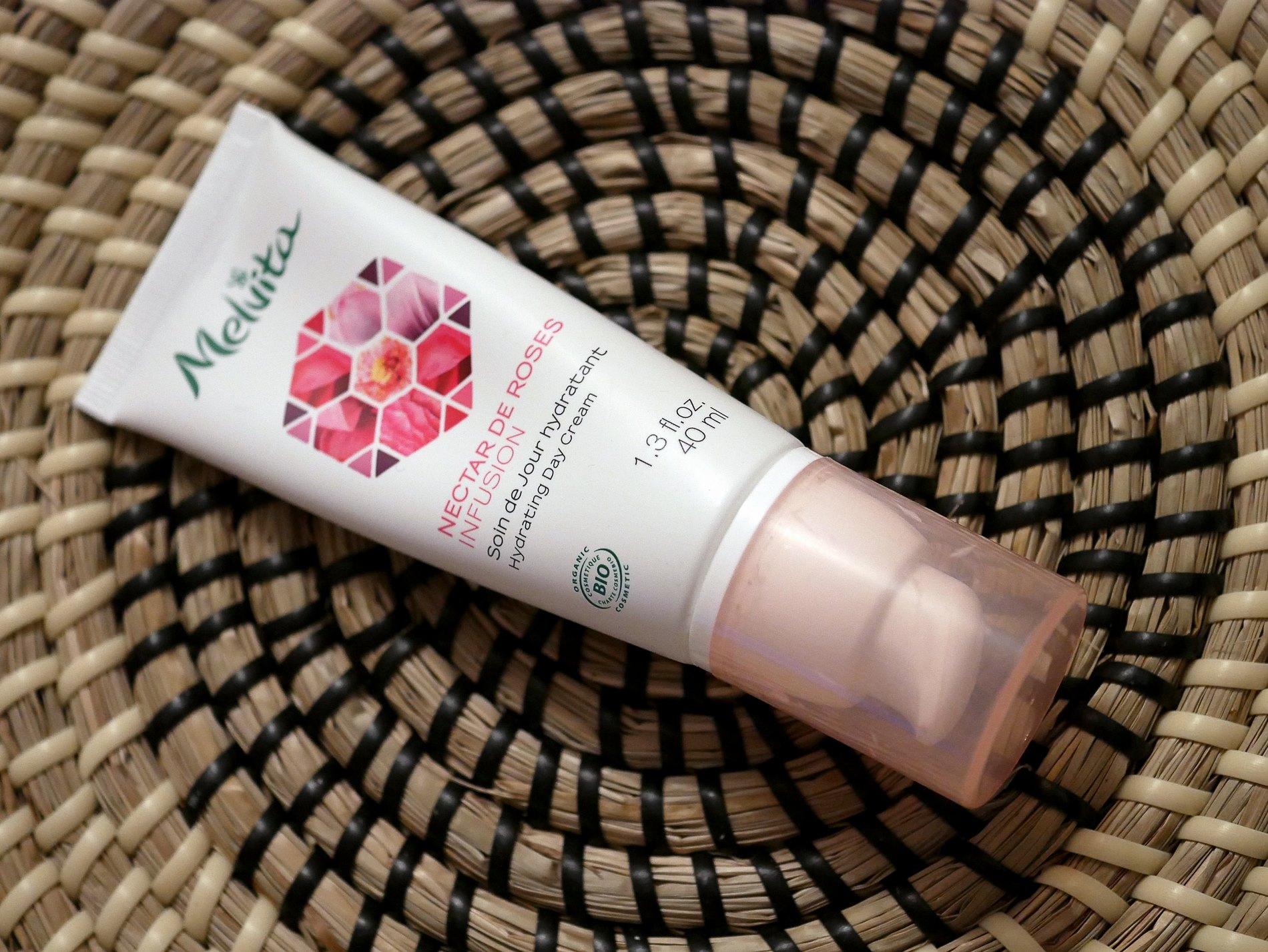 soin de jour hydratant rose melvita - juliesliberties
